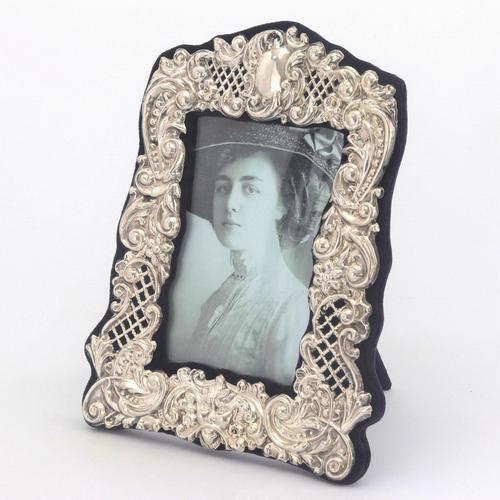 Pierced & Embossed Silver Photograph Frame by Broadway & Co 1906 (1 of 9)