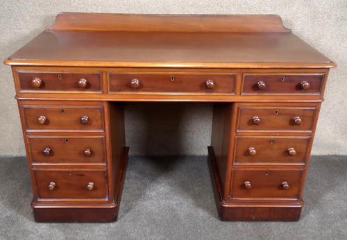 Victorian Mahogany Twin Pedestal Desk (1 of 9)