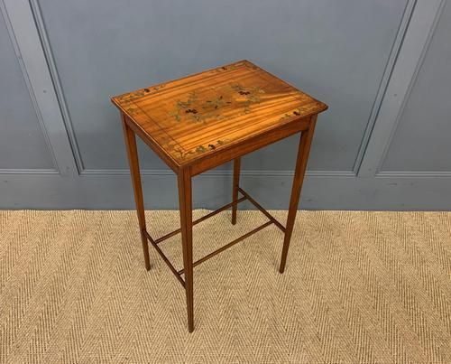 Pretty Inlaid Satinwood Occasional Table (1 of 1)