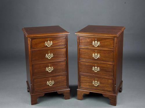 Superb Pair of Georgian Mahogany Bedside Chests of Drawers by Lawlor Briscoe Dublin (1 of 6)