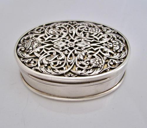 Impressive Victorian silver table snuff box Henry William Dee London 1877 (1 of 13)