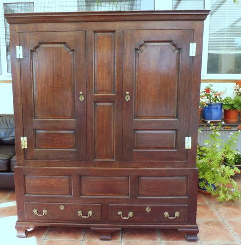 Country Oak Press Cupboard c.1730 (1 of 10)