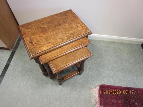 Good Quality Oak Nest of Tables (1 of 4)