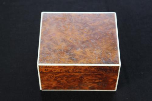 Vickery of London Bird's Eye Maple Cigarette Box (1 of 7)