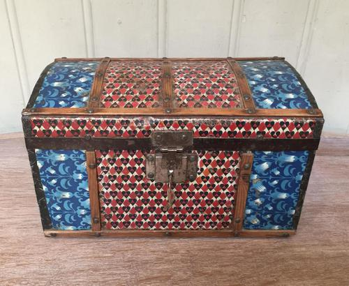 Colonial Dome Top Tin Casket (1 of 9)