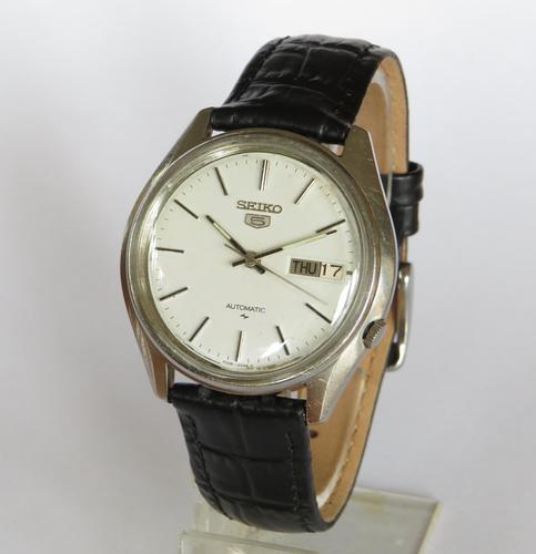 Gents Seiko 5 Automatic Wrist Watch (1 of 5)