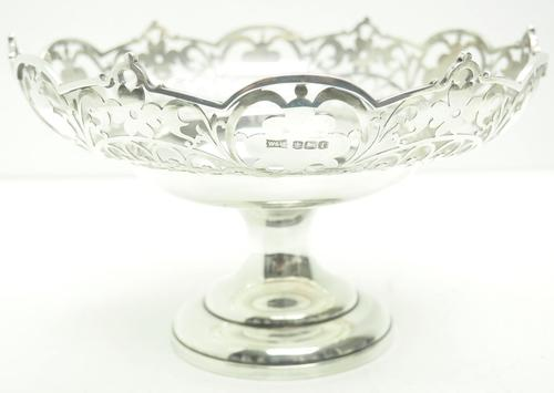 Antique Solid Silver Centre Piece / Fruit Bowl by Walker & Hall 521 grams c.1923 (1 of 6)