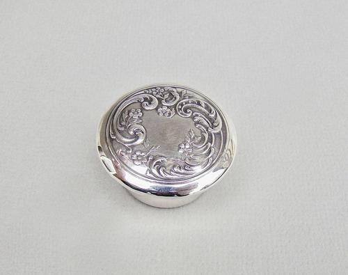 19th Century French Silver Pill Box c.1890 (1 of 5)