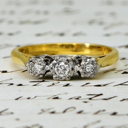The Vintage 1975 Three Brilliant Cut Diamond Ring (1 of 5)