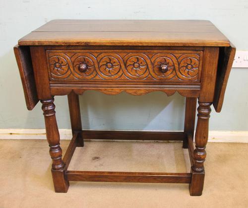 Single Drawer Oak Side Table (1 of 9)