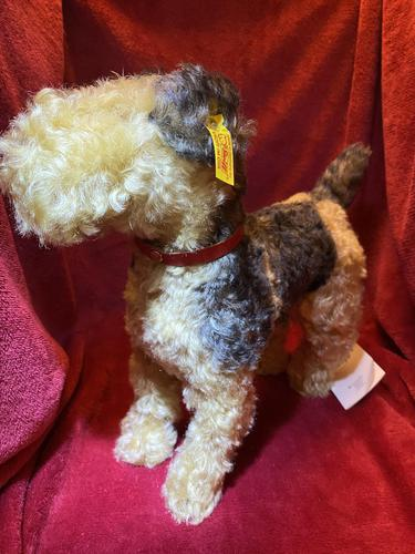Steiff Classic 1935 Fellow Terrier with Original Tag, Button in Ear & Carrier Bag (1 of 11)