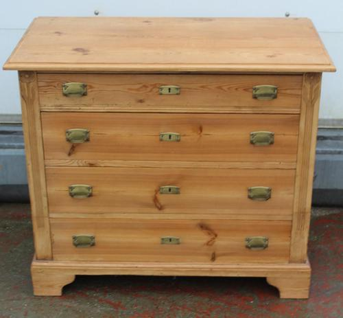 1920s Pine Chest Drawers with Brass Handles (1 of 4)