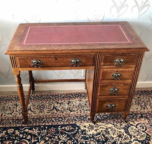 Small Arts & Crafts Oak Desk c.1907 (1 of 6)