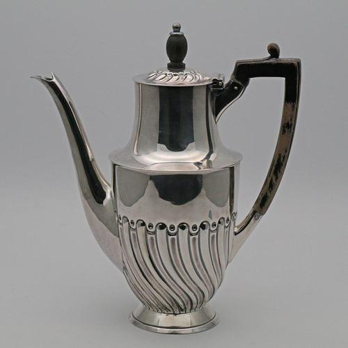 English Silver Coffee Pot 1922 (1 of 4)