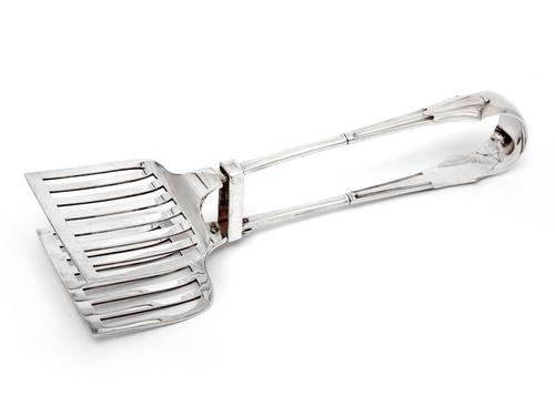 Edwardian Silver Plated Asparagus Servers with an Albany Pattern Handle (1 of 4)