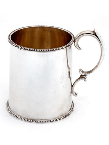 Plain Edwardian Silver Christening Mug with Scroll Handle and Beaded Border (1 of 6)