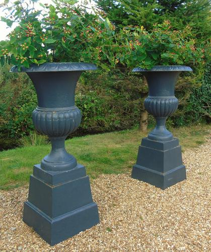 Fine Pair of Cast Iron Campana Garden Urns c.1900 (1 of 8)