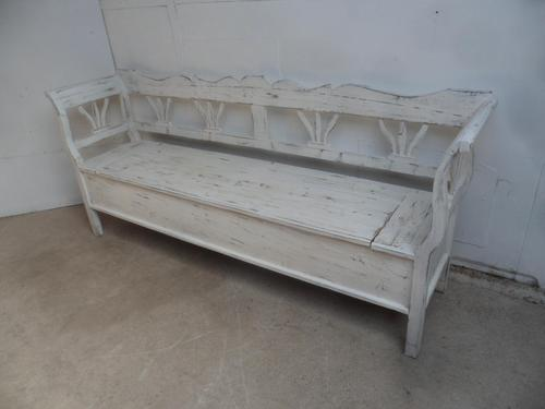 Lovely White 3-4 Seater Antique Pine Kitchen / Hall Box Settle/ Bench (1 of 10)
