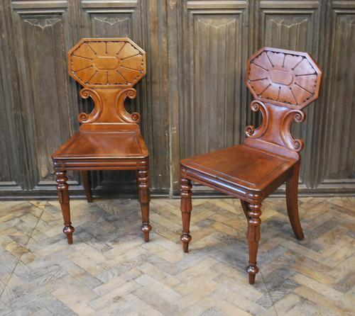 Pair of Fine Quality Regency Hall Chairs (1 of 7)