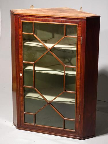 Pretty George III Period Mahogany Glazed Corner Cupboard (1 of 4)