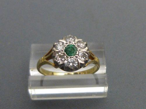 18ct gold, emerald & diamond cluster ring (1 of 4)