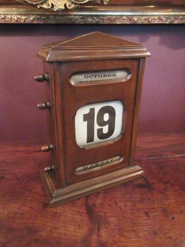 Large Antique Polished Oak Perpetual Desk Calendar (1 of 6)
