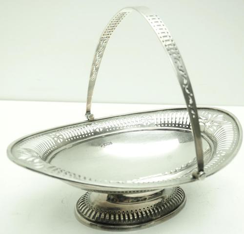 Solid Silver Centre Piece Fruit Bowl 474 Grams c.1925 (1 of 5)