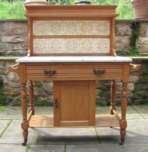 Pretty Marble Top Washstand (1 of 12)