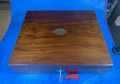 Georgian Mahogany Box With a Working Lock and Key (1 of 13)