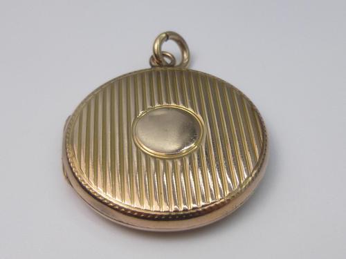 Art Deco 9ct Gold Locket (1 of 6)