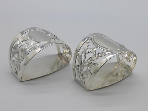 Pair of Silver Napkin Rings (1 of 7)