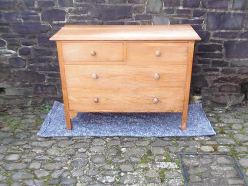 Arts & Crafts / Cotswold Style Chest of Drawers (1 of 2)