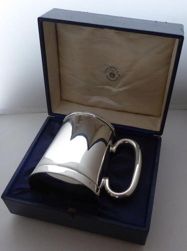 Boxed 1937 1 Pint Tankard Hallmarked Solid Silver Christening Mug William Neale (1 of 9)