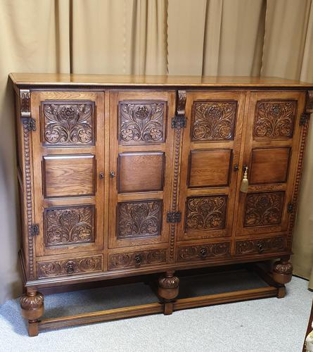 Superb Carved Oak Cupboard on Stand (1 of 34)