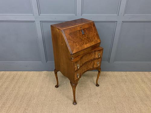 Charming Queen Anne Style Burr Walnut Bureau (1 of 12)