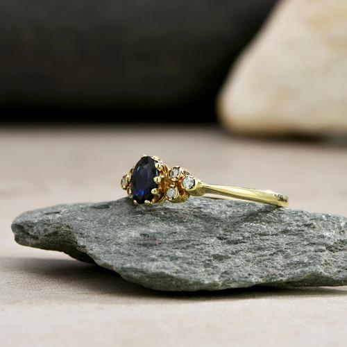 The Vintage Sapphire & Diamond 9ct Gold Ring (1 of 5)