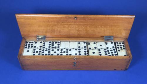 Late Victorian Long Domino Set in it's original mahogany box (1 of 13)