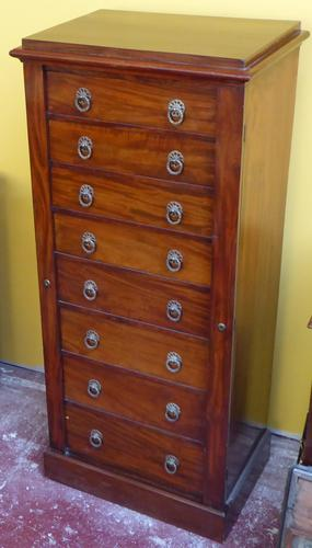 Wellington Chest of Drawers (1 of 1)