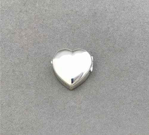 Victorian Silver Heart Shaped Pillbox (1 of 4)