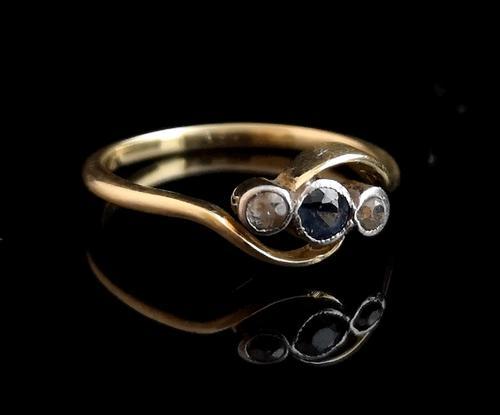 Art Deco Sapphire & Diamond trilogy ring, 18ct gold (1 of 10)