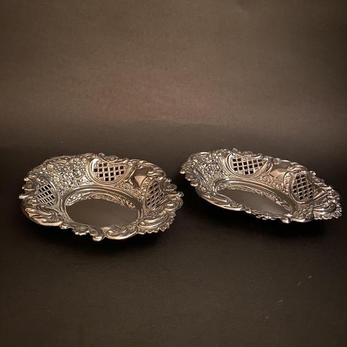 Pair of Flat Silver Swags Flowers & Grille Bon Bon Dishes (1 of 7)