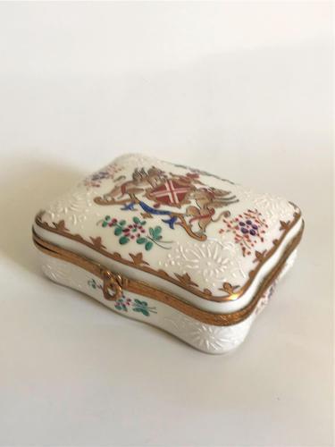 Unusual Dunhill Ceramic Cigarette Box (1 of 7)