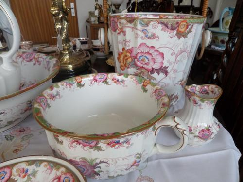 Beautiful 'in the eyes of the Beholder'! 7 Piece Cauldon of Staffordshire Toilet Set c.1907 (1 of 6)