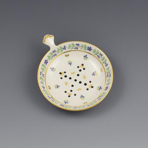 Rare Flight Period Worcester Porcelain Egg Drainer c.1790 (1 of 6)