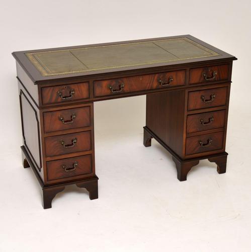 Antique Georgian Style Mahogany Leather Top Pedestal Desk (1 of 10)