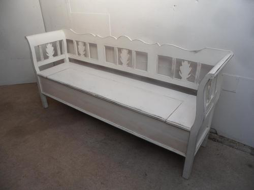 A Lovely White Motif 3/4 Seater Antique/Old Pine Kitchen/Hall Box Settle/ Bench (1 of 9)