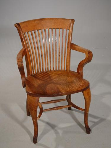 Well-Formed Early 20th Century Golden Oak Desk Chair (1 of 5)