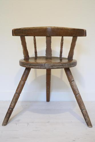 Scandinavian / Swedish 'Folk Art' Blekinge chair, three-legged, curved back & circular seat c.1850 (1 of 31)