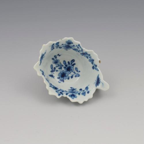 First Period Worcester Porcelain Butter Boat Pickle Leaf Daisy c.1760 (1 of 8)