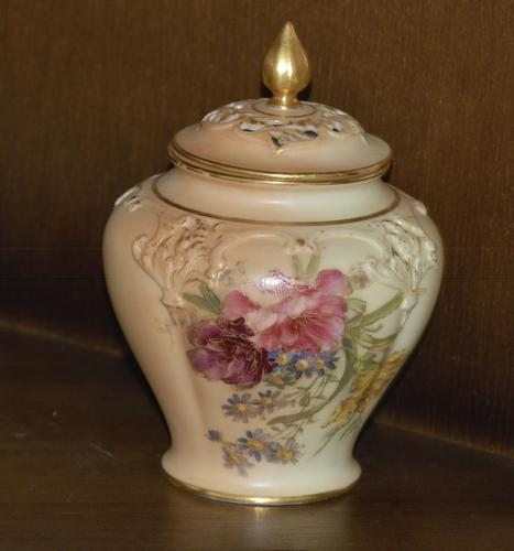 1909 - Royal Worcester - Hand Painted - Blush Ivory - Pot Pourri Vase and Cover (1 of 4)